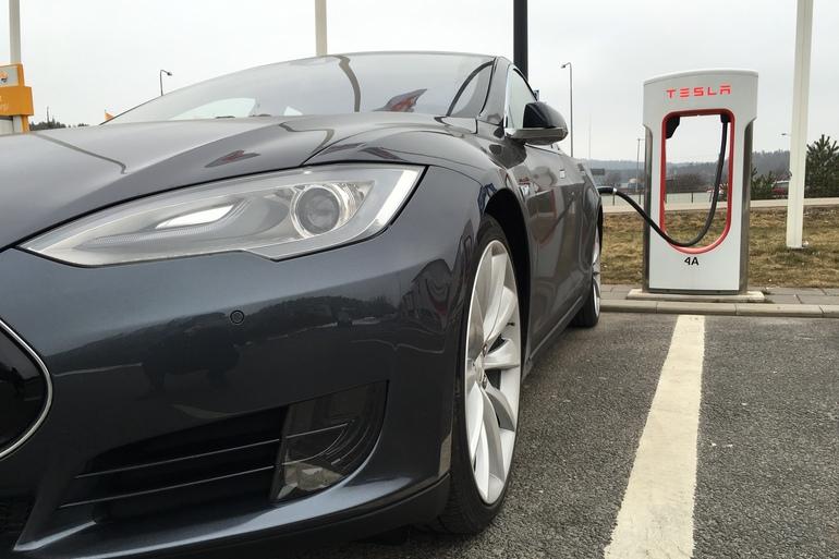 Billig billeje af Tesla Model S med Isofix beslag nær 2000 Frederiksberg.