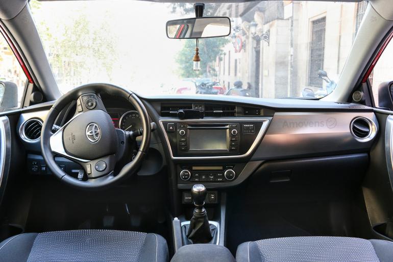 Alquiler barato de Toyota Auris Active 90D cerca de 28012 Madrid.