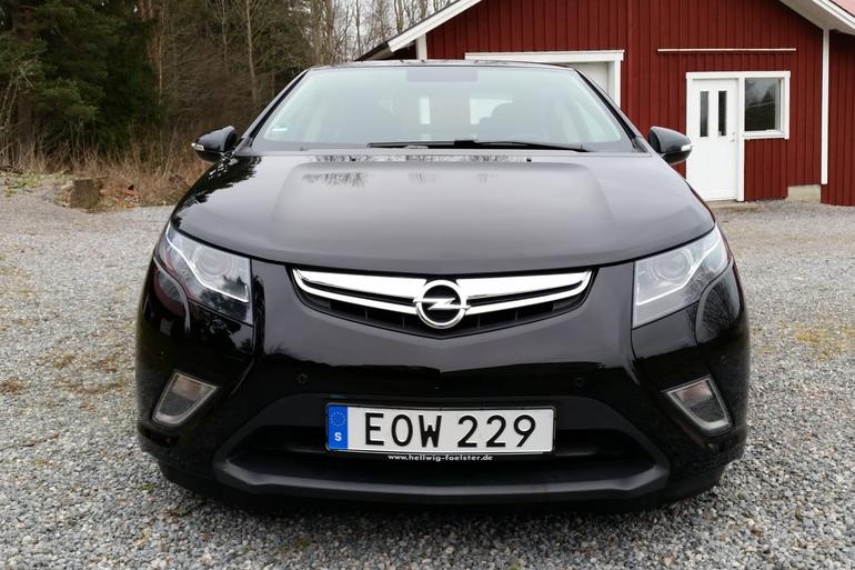 Billig biluthyrning av Opel Ampera med CD-spelare i närheten av 411 04 Göteborg.