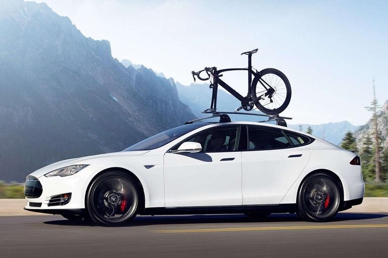 Billig billeje af Tesla model D med Isofix beslag nær 8700 Horsens.