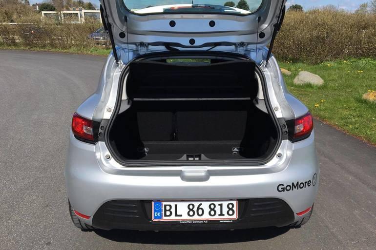 Billig billeje af Renault Clio 1,5 Diesel - Fri p-plads ved Nørreport med Bluetooth nær 8000 Aarhus.