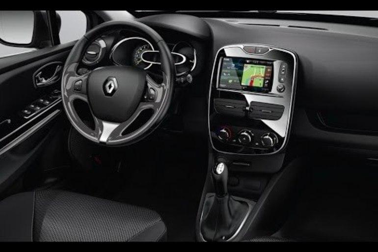 Billig billeje af Renault Clio 1,5 Diesel - Fri p-plads ved Nørreport med Cruise control nær 8000 Aarhus.