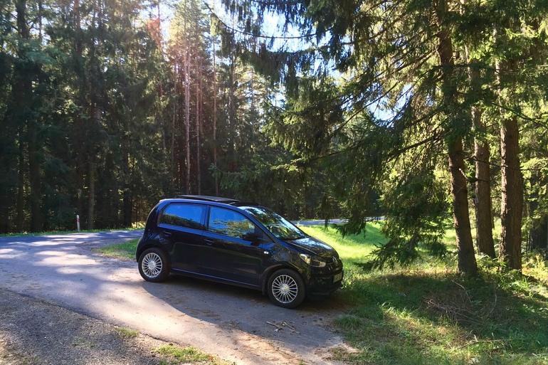 Billig biluthyrning av VW eco UP med CD-spelare i närheten av 214 46 Malmö.