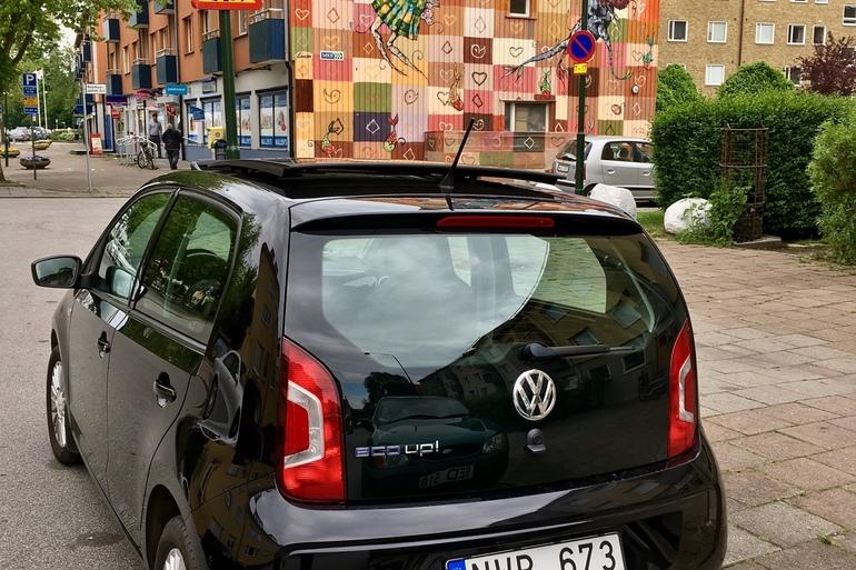 Billig biluthyrning av VW eco UP med Aircondition i närheten av 214 46 Malmö.