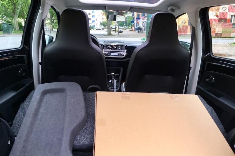 Billig biluthyrning av VW eco UP med Elektriska fönster i närheten av 214 46 Malmö.