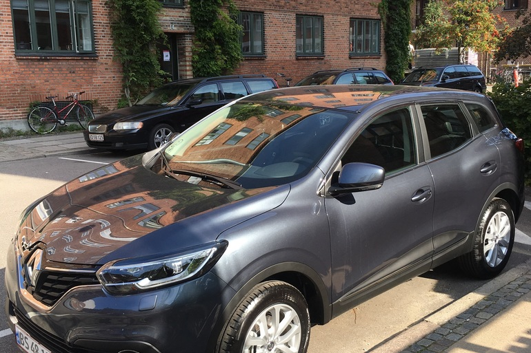 Billig billeje af Renault Kadjar med Bluetooth nær 2200 København.