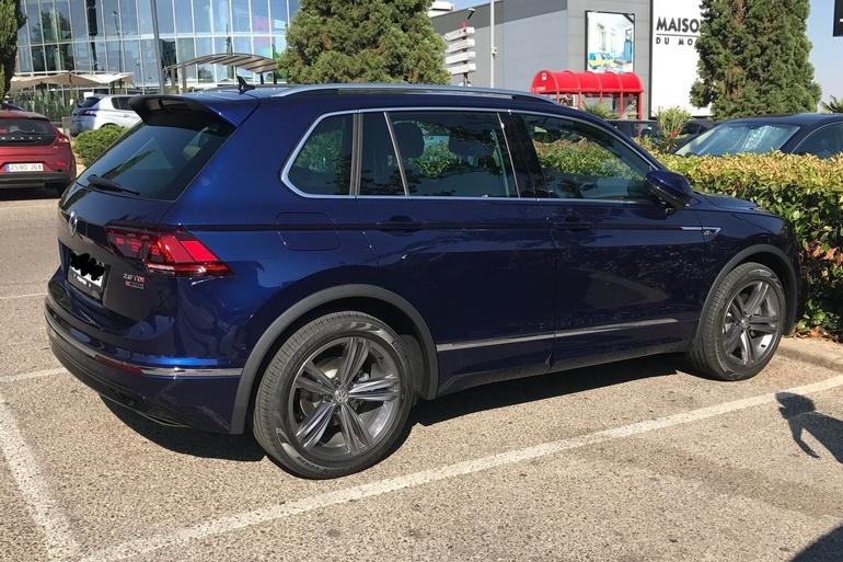 Alquiler barato de Volkswagen Tiguan 2.0 Tdi 184 R-Lin Bm 4m D con equipamiento GPS cerca de 28040 Madrid.