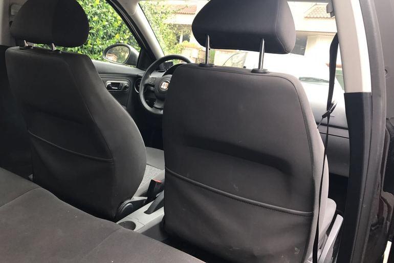 Alquiler barato de Seat Ibiza Hit 1.9 Tdi con equipamiento Lector CD cerca de 28221 Majadahonda.