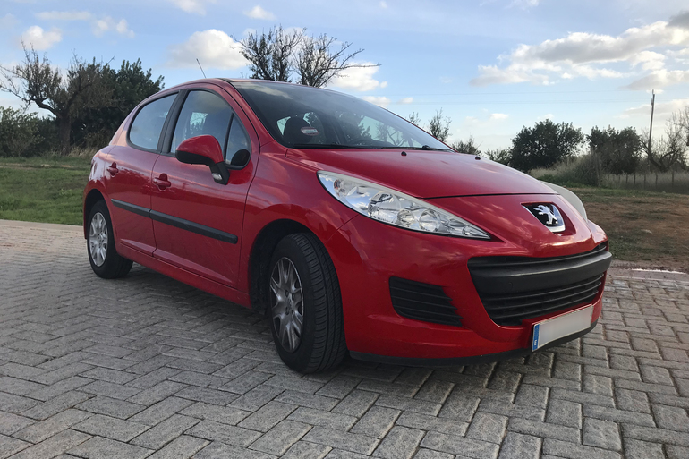 Alquiler barato de Peugeot 207 Envy 1.4 Hdi 70 cerca de 07013 Palma.