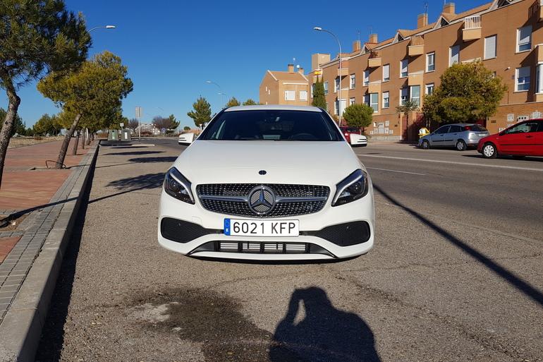 Alquiler barato de Mercedes A (176) 200 Cdi Be Amg Sport con equipamiento AUX/Reproductor MP3 cerca de 28031 Madrid.