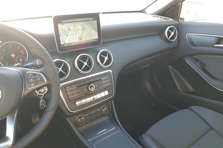 Alquiler barato de Mercedes A (176) 200 Cdi Be Amg Sport con equipamiento Elevalunas eléctricos  cerca de 28031 Madrid.