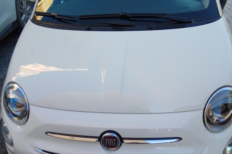 Alquiler barato de Fiat 500 1.2 Lounge con equipamiento Bluetooth cerca de 29680 Estepona.