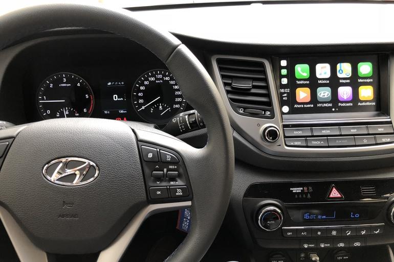 Alquiler barato de Hyundai Tucson 1.7crdi Bd Klass Nav 4x2 con equipamiento Fijaciones Isofix cerca de 28009 Madrid.