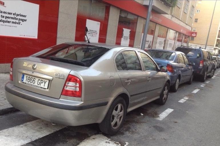 Alquiler barato de Skoda Octavia Ambiente 1.9 Tdi con equipamiento Bluetooth cerca de 41011 Sevilla.