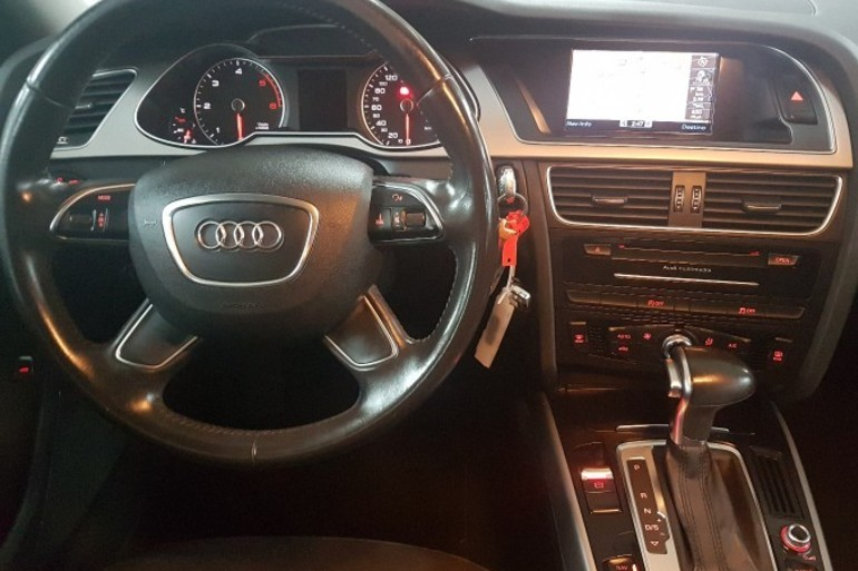 Alquiler barato de Audi A4 2.0 Tdi 143 S-Line Editio cerca de 28011 Madrid.
