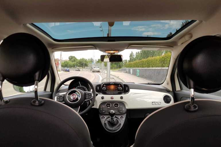 Alquiler barato de Fiat 500 1.2 Lounge cerca de 28026 Madrid.