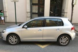 Volkswagen Golf 1.6 Tdi 105 Bluemotion