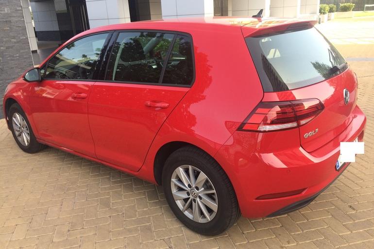 Alquiler barato de Volkswagen Golf V Edition 1.2 Tsi 110 Bmt con equipamiento Fijaciones Isofix cerca de 28050 Madrid.