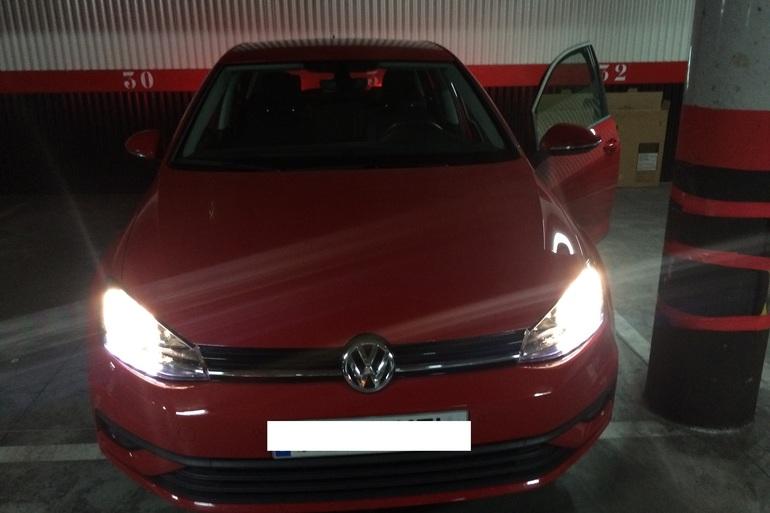Alquiler barato de Volkswagen Golf V Edition 1.2 Tsi 110 Bmt con equipamiento Aire acondicionado cerca de 28050 Madrid.