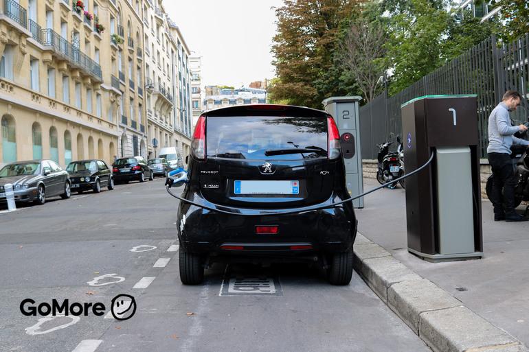 Location économique de voiture de Peugeot Ion avec Bluetooth proche de 75008 Paris.