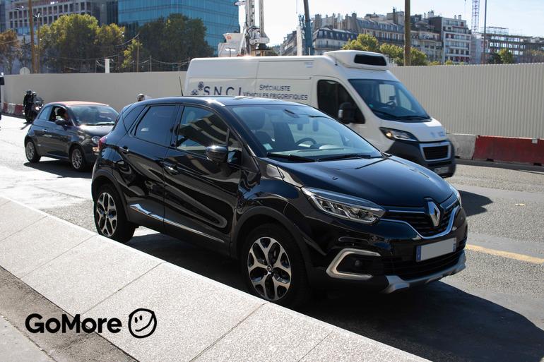 Location économique de voiture de Renault Captur avec GPS proche de 75012 Paris-12E-Arrondissement.