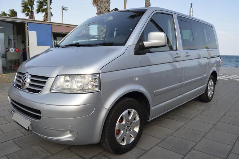 Alquiler barato de Volkswagen Multivan 2.5tdi 174 Tiptr Comfortl con equipamiento Bola de remolque cerca de 08012 Barcelona.