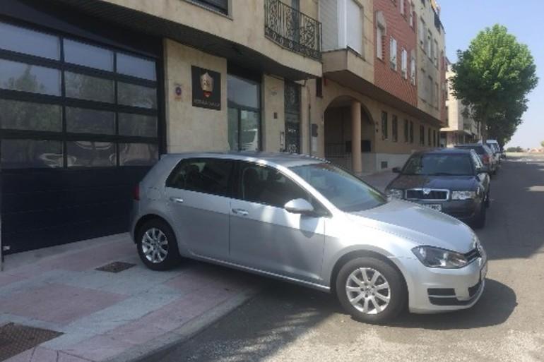 Alquiler barato de Volkswagen Golf Edition 1.2 Tsi105 Bmt con equipamiento Fijaciones Isofix cerca de 37005 Salamanca.