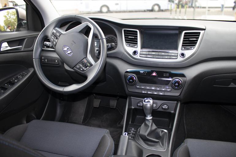 Alquiler barato de Hyundai Tucson 1.7crdi Bd Klass Nav 4x2 con equipamiento Bluetooth cerca de 28009 Madrid.
