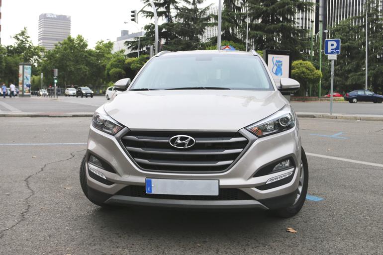 Alquiler barato de Hyundai Tucson 1.7crdi Bd Klass Nav 4x2 con equipamiento GPS cerca de 28009 Madrid.