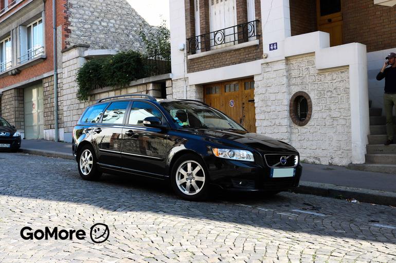 Location économique de voiture de Volvo V50 avec GPS proche de 75020 Paris.