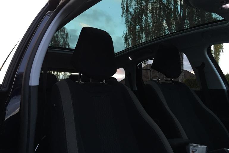 Billig billeje af Peugeot 308 SW med Cykelstativ nær 2650 Hvidovre.
