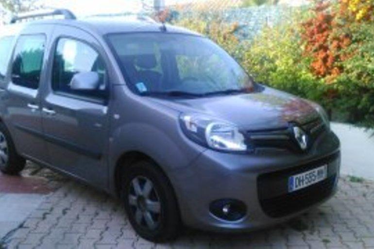 Location économique de voiture de Renault Kangoo avec Bluetooth proche de 34080 Montpellier.