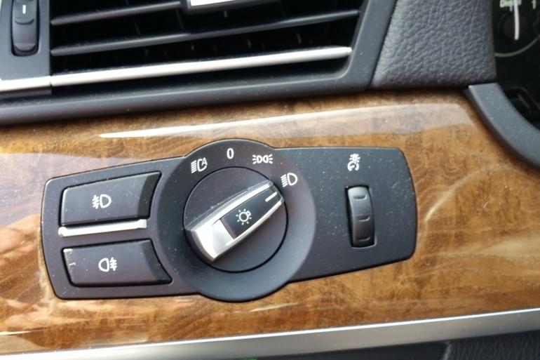 Billig billeje af BMW 730D F01 med DVD afspiller nær 5230 Odense.
